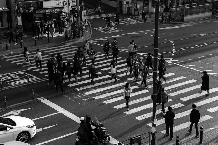 VeiligheidNL: Minder eenzijdige voetgangersongevallen; stabiel aantal ongelukken door aanrijding auto