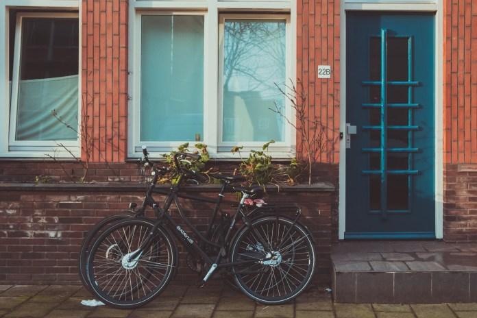 Angst voor diefstal: Nederlander durft kostbare fiets niet meer buiten te laten staan
