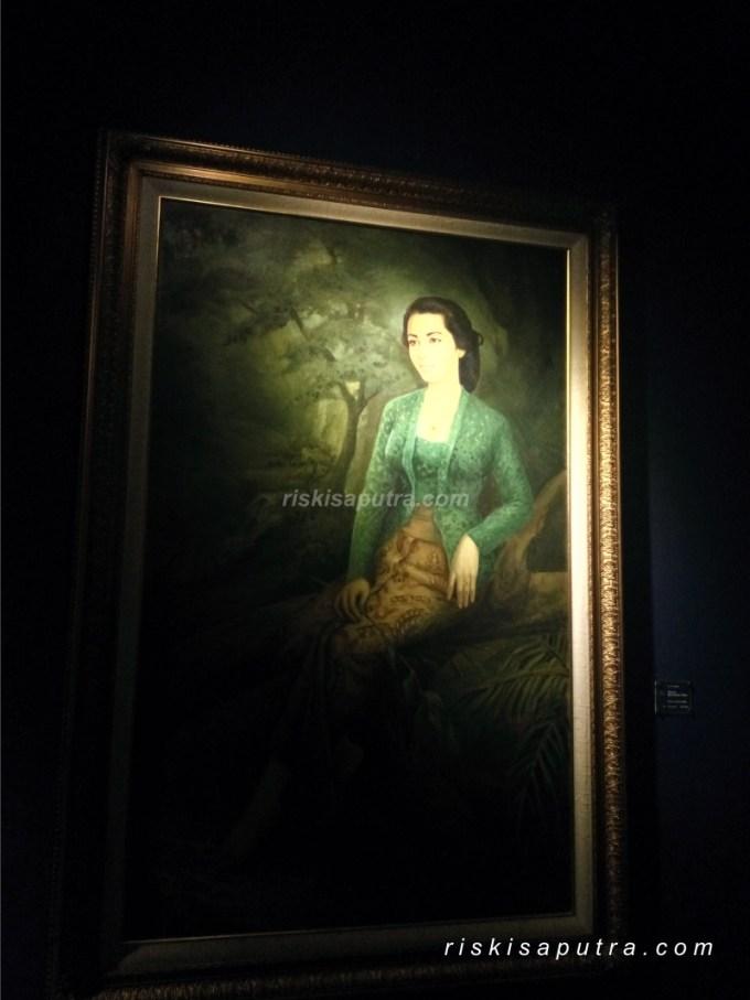 Lukisan Wanita Kebaya