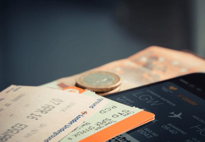 tips naik pesawat ke luar negeri - boarding pass