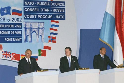 Francois Fillon contro l'aggressione NATO alla Russia