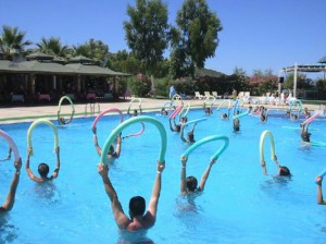 Come dimagrire in piscina