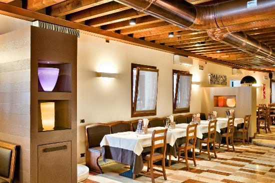 ristorante pizzeria galeone doro interno  Ristoranti Veneti