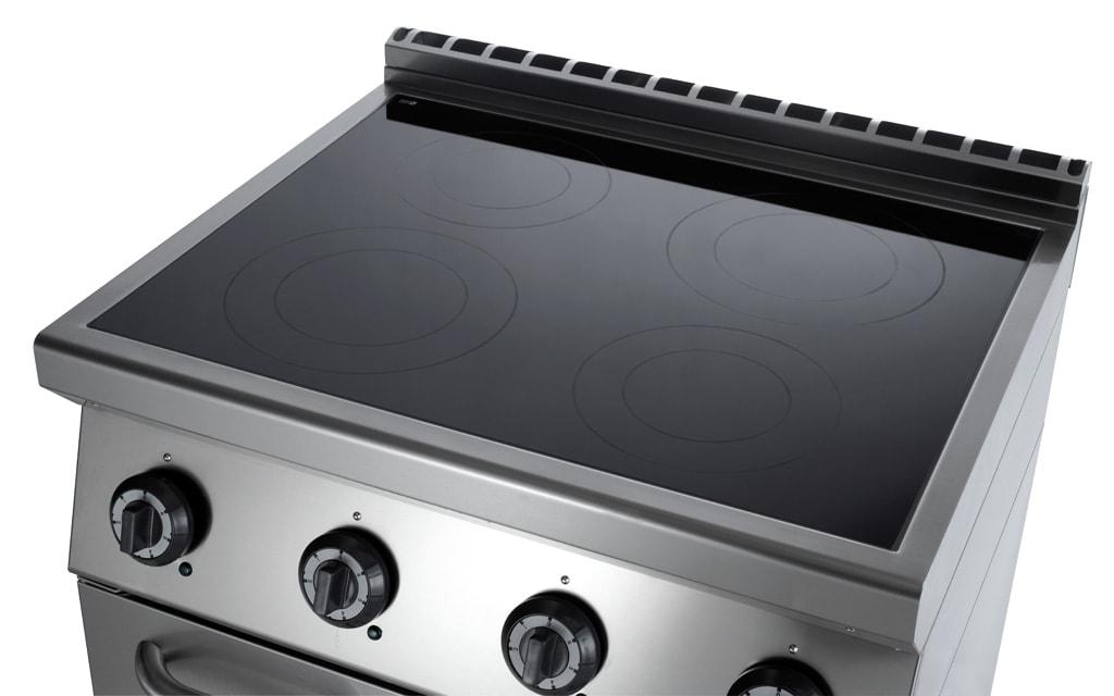 Cucina a Induzione Professionale su vano armadiato  4