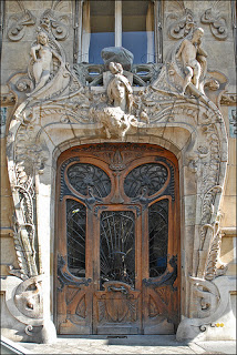 Immeuble de style art nouveau, situé 29, avenue Rapp à Paris.