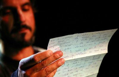 """Torna in scena """"Lettere rubate. Cercando Fernando Pessoa là dove non è mai stato"""""""