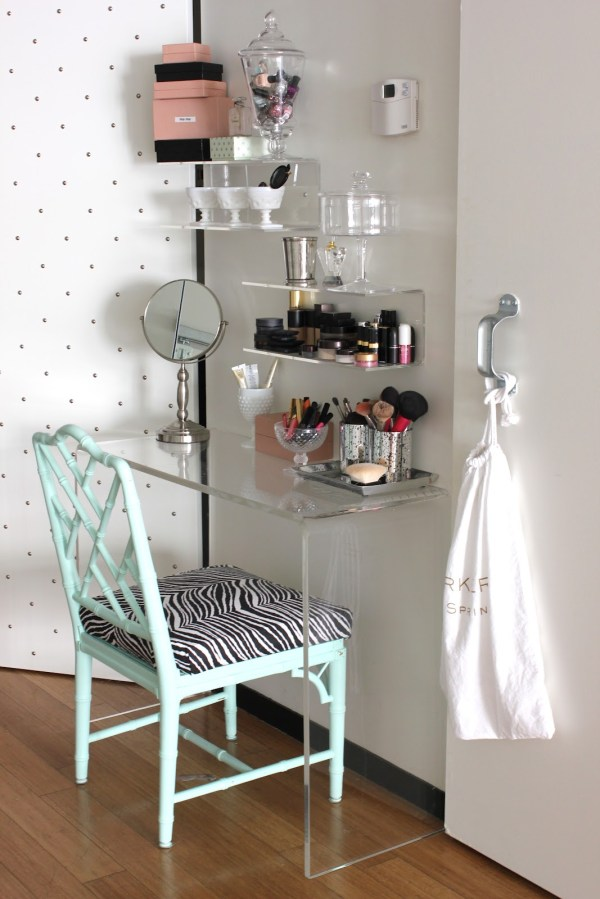 Small Bedroom Makeup Vanity Ideas