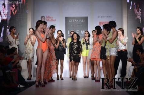FormatFactorySurily Goel with her collection at Day 2 of India Resortwear Fashion Week