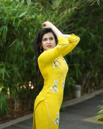 Mannara Chopra (3)