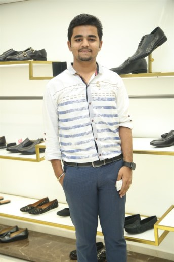 Black Edition Of Handcrafted Leather Shoes & Accessories La Marca Launched In Chennai (4)