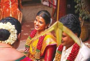Stills From Aishwarya Rajesh's Tamil Remake Of The Great Indian Kitchen (1)