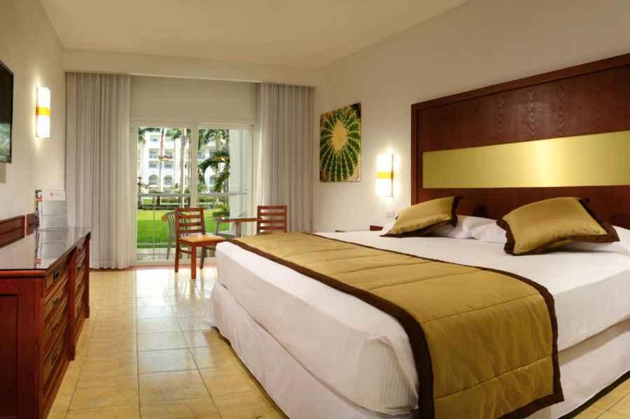 ClubHotel Riu Jalisco  Hotel Puerto Vallarta familiar todo incluido