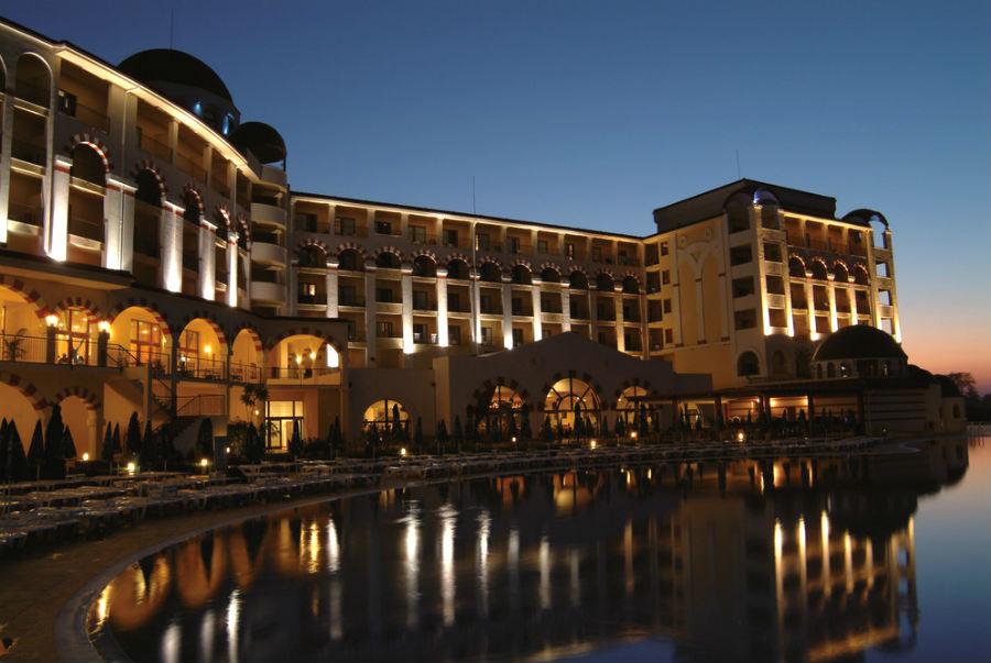 Hotel Riu Helios Bay  All Inclusive Hotel strand van Obzor