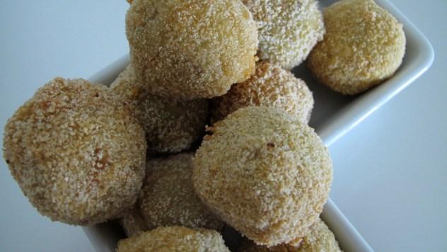 Nahaufnahme frittierte Bitterballen
