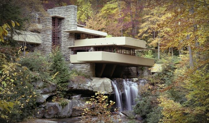 FALLING WATER La casa sulla Cascata