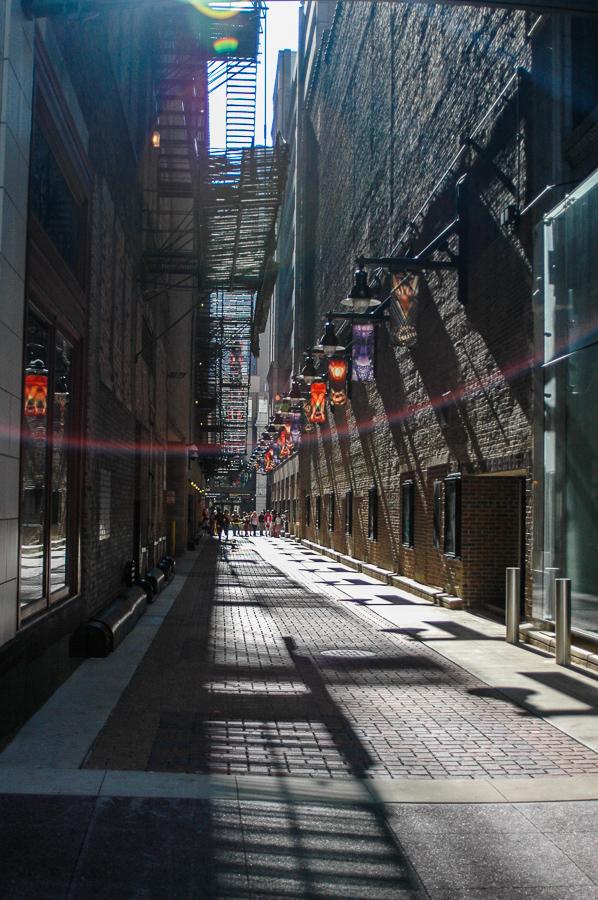 Chicago - Couch Place - Sunlight - James M Nederlander Way