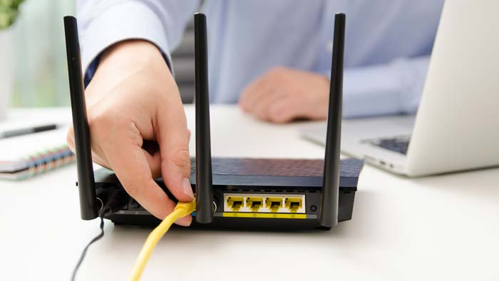 Can I use a router as a Wi-Fi extender