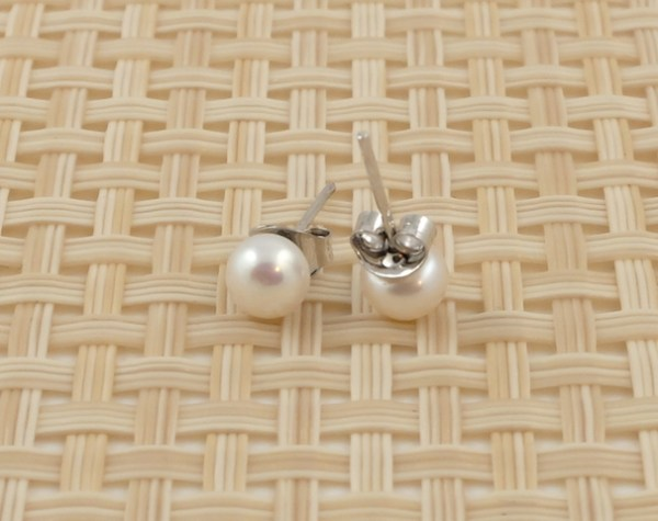 Small White Round Pearl Studs (6mm)