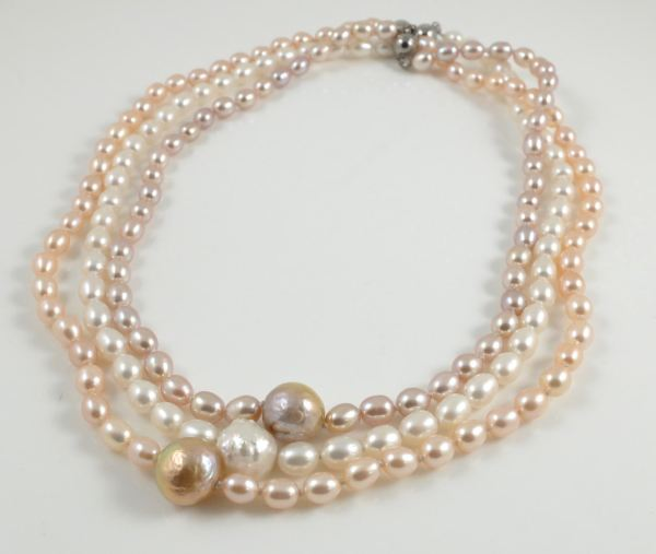 3 colour hedgehog pearl rice pearl necklaces