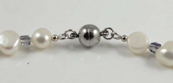 Stainless steel magnetic clasp