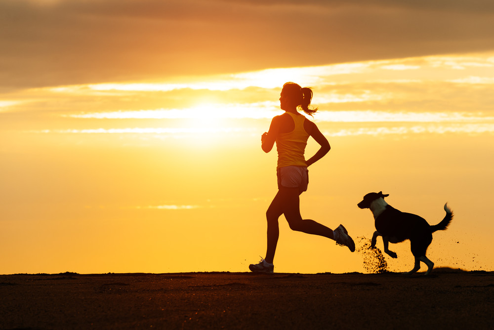 https://i0.wp.com/www.riversidevetbend.com/wp-content/uploads/2015/09/woman-running-dog.jpg