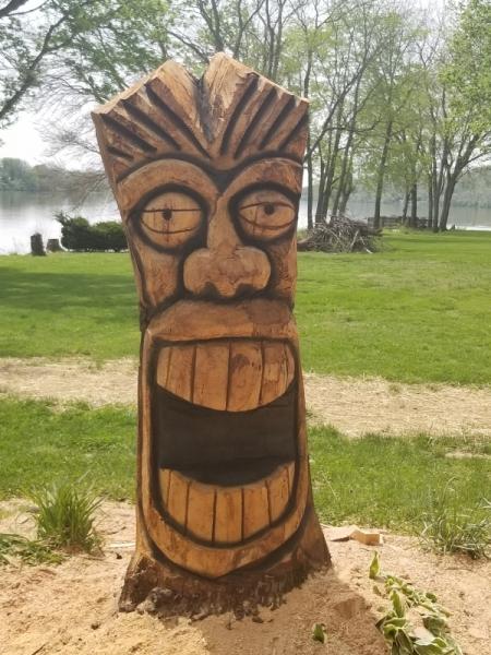 Tiki S Christman S Chainsaw Carvings
