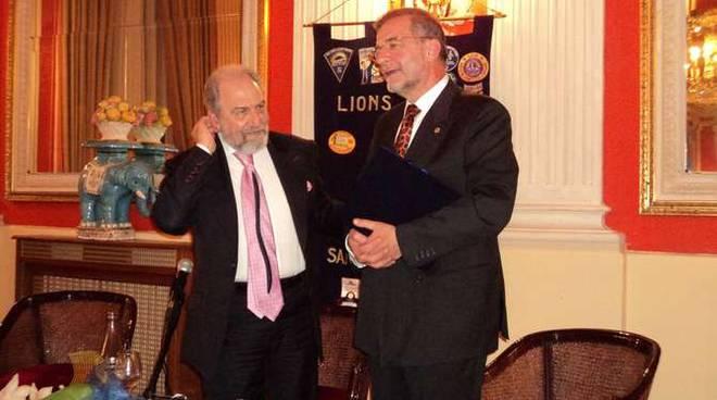 Antonio Caprarica al Lions Club Sanremo Matutia racconta il gossip della casa reale britannica