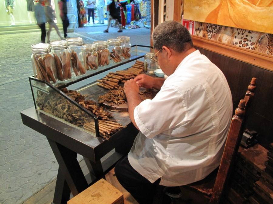 Cigars roller Playa del Carmen