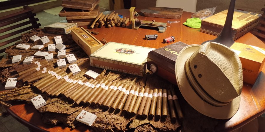 Playa del Carmen Cigar Roller