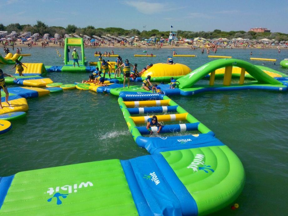 Parco acquatico Boabay di Rimini prezzi e orari dellacquapark gonfiabile