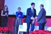 Emanuele Crialese Premio Primavera Cult premiato da Antonio Aceto responsabile Aceto SpA.
