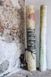 Mirko Baricchi, Archè #1 e Archè #2, carte arrotolate, 2016, tecnica mista su carta fabriano 300 gr, cm. 200x150, foto Luca Peruzzi