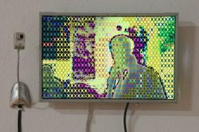 p. 039_ARTEFORTE_Forte Strino_Boesso Art Gallery_Vincenzo Marsiglia_Star Interactive_2008_schermo lcd, software e web cam_45x30 cm_ph. Marcello Scopellit