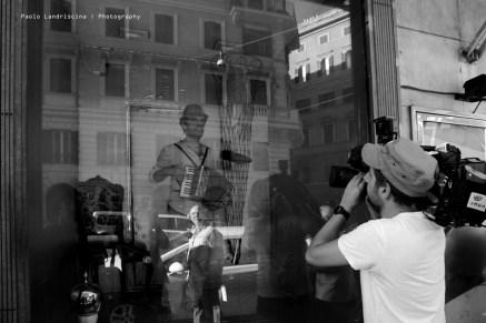 performance-di-luca-venitucci-nel-camerino-di-giovanni-albanese