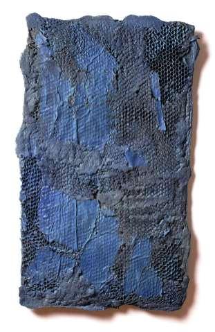 Manuel Grosso, Charta_1A, 2016, strappo, schiume poliuretaniche, sabbia, stoffe, acrilici, tavola, 80x58x1 cm