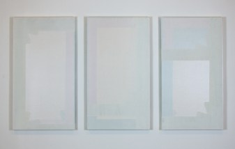 Stefano Cumia, Trittico bianco - Tempera all'uovo, olio, gesso pigmentato su tela, 75 x 42 cm - 3 elementi (2016)