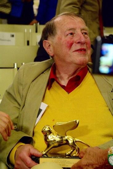 Franz Erhard Walther con il suo Leone d'oro