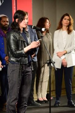 Anne Imhof durante il suo discorso di ringraziamento.