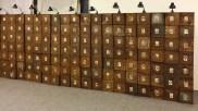 Christian Boltanski Le grand mur des Suisses morts, 1990 scatole di latta, lampadine / metal sheet boxes, lightbulbs 200 x 485 x 23 cm © Christian Boltanski