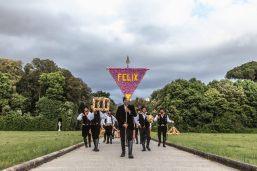 Vinci-Galesi, La terra dei fiori, 2017, documentazione di performance, stampa su carta fine art, cm 40x60, ph. Alessandro Zangirolami, courtesy of the artists e aA29, Milano, Caserta