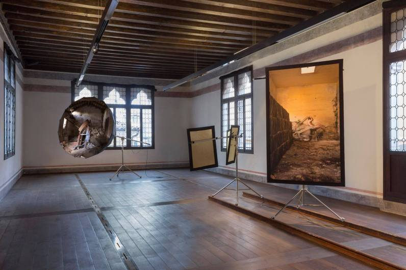 A fuoco continuo, installation view (2)
