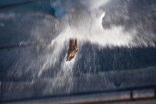 Marzia Migliora, Forever overhead, 2010, video proiezione film 35 mm, trasferito su dvd, suono, colore, 5 min. 48 sec. Courtesy Galleria Lia Rumma, Milano.