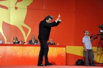 Flavio Insinna con il Pegaso per la conduzione televisiva