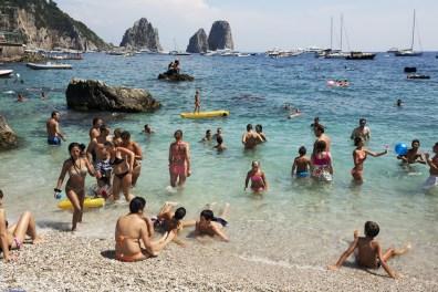 MARTIN PARR The Amalfi Coast, Capri 2013, cm 65x90, ed.10 © Martin Parr / Magnum Photos / Studio Trisorio