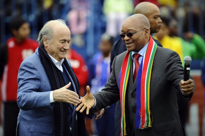 Jacob Zuma e Joseph Blatter, alla cerimonia di apertura dei Mondiali 2010 (Stephane De Sakutin/Afp/Getty Images)