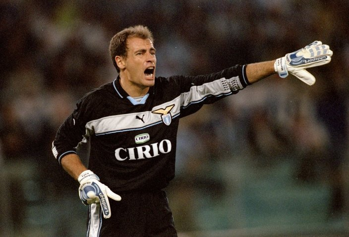 3 Oct 1999: Gianluca Marchegiani in goal for Lazio against AC Milan during the Serie A match at the Stadio Olimpico in Rome, Italy. Mandatory Credit: Claudio Villa /Allsport