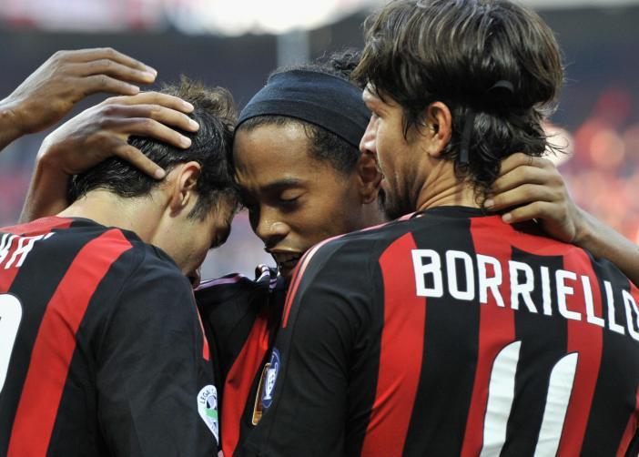 In campo con Kaká e Ronaldinho nel 2008/09, cosa può andare storto? (Damien Meyer/Afp/Getty Images)