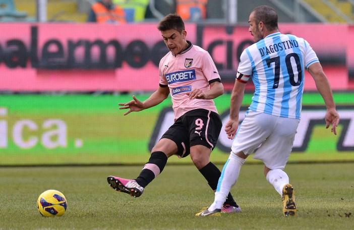 Uno è Dybala, gioca nella Juventus, l'altro è Gaetano D'Agostino, oggi alla Lupa Roma (Tullio M. Puglia/Getty Images)