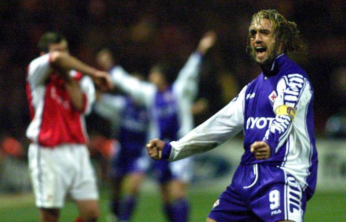 Fiorentina's goalscorer Gabriel Batistuta celebrat