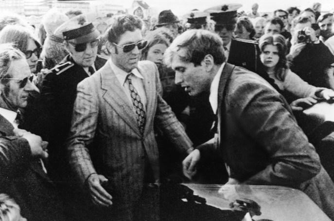 All'arrivo in Islanda per il Mondiale del 1972 (Express Newspapers/Getty Images)